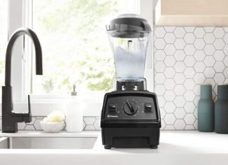 Vitamix E310 Professional-Grade Explorian Smoothie Blender