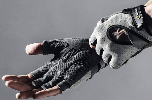 Knuckle Weight Lifting Shorty Fingerless Gloves
